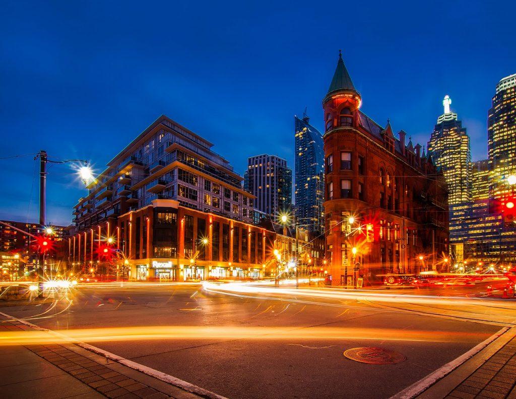 Paddling Way to Toronto's Pace